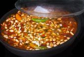 Chili, in der Pfanne gekocht — Stockfoto