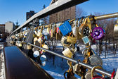 OTTAWA, CANADA - FEBRUARY 16: Love locks on Corktown Footbridge  — Stockfoto