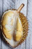 Smelly durian in Vietnam — Stock Photo