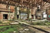 放棄された炭鉱で老朽化した waherouse — ストック写真