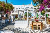 Greek tavern al fresco in Mykonos — Stock Photo
