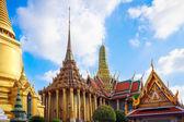 Grand palace and Wat Phra Kaew — Stock Photo