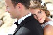 Happiness of beautiful bride and handsome groom — ストック写真