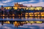 Prague Castle and Charles Bridge — Zdjęcie stockowe