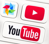 Youtube logotypes on a keyboard buttons — Stock Photo
