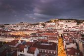 Lisbon city at night from above — Stockfoto
