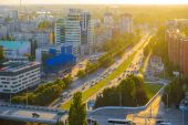 View to Leninsky prospect in evening. Kaliningrad — Stock Photo