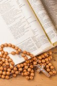 Crucifix ,rosary and  holy book — Stock Photo
