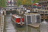 London. Camden Town. Water bus Ride on Regent's Canal — Stock Photo