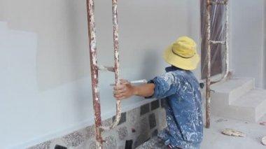 Mur de peinture du peintre à domicile — Vidéo
