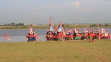 民俗节日在河上进行传统的船 — 图库视频影像