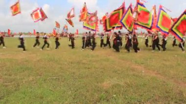 People dance with flag in festival — Stock Video