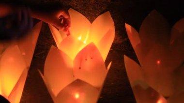 As velas no tradicional festival, vietnã — Vídeo stock