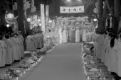 Los monjes y la ceremonia fiel en la pagoda con hijo — Foto de Stock