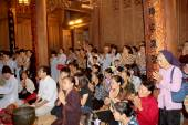 Group of people ceremony in the temple, vietnam  — Stock Photo