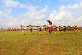 HAI DUONG, VIETNAM, SEPTEMBER, 10: a group of Asian people dance — Стоковое фото