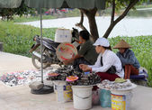 HAI DUONG, VIETNAM, SEPTEMBER, 10: People selling good on Septem — Stock Photo