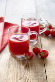 Tomato juice glasses — Photo