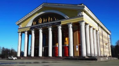 Theater in the style of classic antique architecture — Vídeo stock