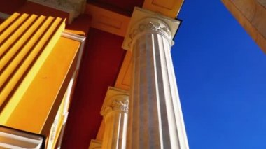 Classical style columns pan — Stock Video