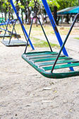 Empty chain swings — ストック写真