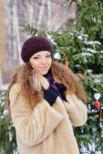 Beautiful blond hair girl i winter clothes  — Stock Photo