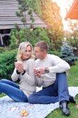 Beautiful couple enjoy a free day on picnic  — Stock Photo