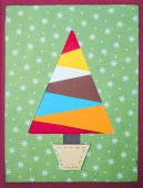 Christmas tree made of colorful handmade paper — Foto de Stock