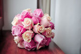 Bridal bouquet of pink roses — Stock Photo
