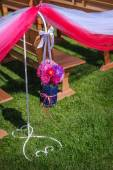 Wedding decoration of flowers at the ceremony — Stockfoto