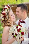 Bride and Groom at wedding Day walking — Stock Photo