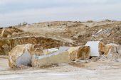 Marble quarry, white marble — Stockfoto