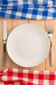 Kitchen utensils and cloth napkin — Stockfoto