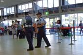 Police officers in Coolangatta Airport — Stock Photo