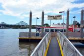 Eagle Street Pier ferry wharf in Brisbane — Stock Photo