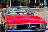 Red Mercedes Benz 560SL — Foto Stock