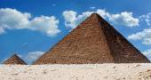 The Pyramid of Menkaure and Queen Pyramid — Stock Photo