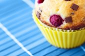 Tasty muffin with raspberry and chocolate — Stock Photo