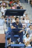 Chair umpire James Keothavong during first round match between Gael Monfis and Jared Donaldson at US Open 2014 — Stock Photo