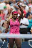 Grand Slam champion Serena Williams celebrates victory after  third round match at US Open 2014 — Stock Photo