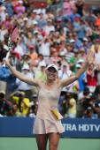 Professional tennis player Caroline Wozniacki celebrates victory after  third round match at US Open 2014 — Stockfoto