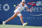 Professional tennis player  Ekaterina Makarova during fourth round match at US Open 2014 — Zdjęcie stockowe