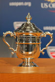 US Open Women singles trophy presented at the press conference after Serena Williams won  US Open 2014 championship — Foto Stock