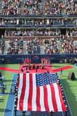US Marine Corps unfurling American Flag  during the opening ceremony of the US Open 2014 women final — Foto Stock