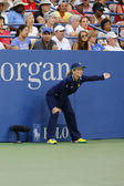 Line judge during match at US Open 2014 at Billie Jean King National Tennis Center — Stockfoto