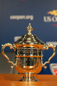 US Open Women singles trophy presented at the press conference after Serena Williams won US Open 2014 championship — Stock Photo