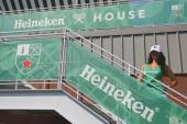 Third largest brewer in the world Heineken International opens Heineken Beer House at Billie Jean King Tennis Center during US Open 2014 — Stock Photo