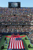 US Marine Corps unfurling American Flag during the opening ceremony of the US Open 2014 women final — Stok fotoğraf