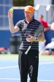 Six times Grand Slam champion Boris Becker coaching Novak Djokovic for US Open 2014 — Stockfoto