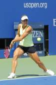 Professional tennis player Angelique Kerber from Germany practices for US Open 2014 at Billie Jean King National Tennis Center — 图库照片